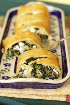 Spinat-Feta-Strudel Rezept von Living on Cookies