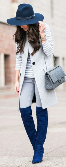 Women's Grey Sleeveless Coat, Grey Horizontal Striped Crew-neck Sweater, Grey Skinny Jeans, Blue Suede Over The Knee Boots Outfits With Hats, Mode Outfits, Winter Outfits, Fashion Outfits, Over The Knee Boot Outfit, Over Boots, Mode Chic, Mode Style, Ärmelloser Mantel
