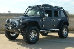 Okay lil' Jimmy, this is momma's Sweet Jeep - When you rich.. and old enough ..to buy it for me, buddy. ;)