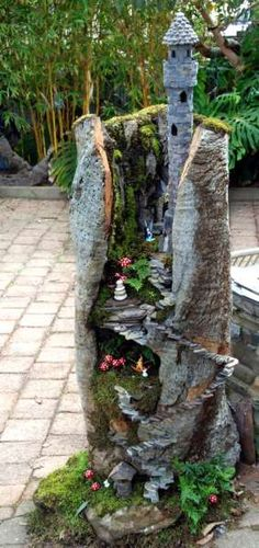 Beautiful fairy garden plants ideas for around your side home 47 large fairy garden houses - House & Garden Large Fairy Garden, Fairy Garden Plants, Fairy Garden Houses, Gnome Garden, Fairy Gardening, Gardening Tips, Fairies Garden, Pallet Gardening, Balcony Gardening