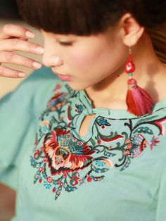 Yunnan style embroidery blouse