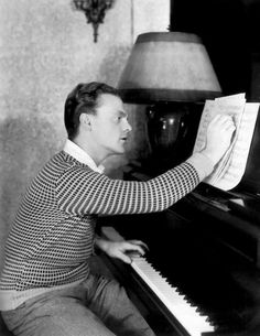 James Cagney, playing piano and writing music at home, c. Old Hollywood Movies, Hollywood Men, Hooray For Hollywood, Classic Hollywood, Hollywood Images, Hollywood Icons, Hollywood Glamour, James Francis, Lee Marvin