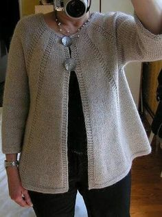 Veste Bambou + Alpaga Jersey et point mousse pattern by La Droguerie Bamboo jacket + Alpaca Jersey and garter stitch pattern by La Droguerie Sweater Knitting Patterns, Knit Patterns, Baby Knitting, Free Knitting, Dress Patterns, Cardigan Pattern, Crochet Cardigan, Knit Crochet, Ravelry Crochet