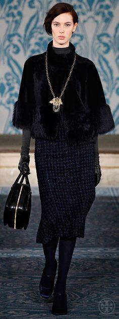 Look 9, Ruby: Cropped coat, Cotton jersey turtleneck, Tweed skirt