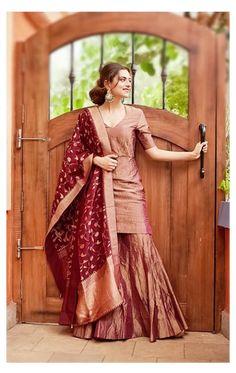 Gharara Designs, Silk Kurti Designs, Kurta Designs Women, Kurti Designs Party Wear, Indian Gowns Dresses, Indian Fashion Dresses, Dress Indian Style, Indian Designer Outfits, Fashion Outfits