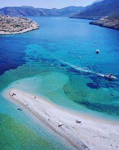 Αμοργός ~ Amorgos Journeys w/color Places To Travel, Places To Visit, Myconos, Greek Islands, Greece Travel, Beach Photos, Beautiful Beaches, Beautiful World, Surf