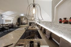 Rossbarth Restaurant, destilat - Linz (A) - Foto: Monika Nguyen Conference Room Design, Wall Painting Decor, Living Room Sofa Design, Interior Design Studio, Interior And Exterior, Architecture Design, House, Home Decor, Linz