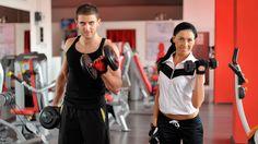 Lo primero es no dejarse intimidar: es muy fácil espantarse con toda la gama de complejos aparatos de gimnasio, muchos de los cuales trabajan músculos que