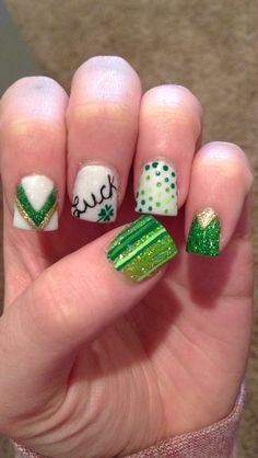Get your nails ready for that St. Patrick's Day Party with 25 awesome nail designs. Make those nails smile Irish style. Creative Nail Designs, Simple Nail Designs, Creative Nails, Nail Art Designs, Nails Design, Get Nails, Fancy Nails, Love Nails, Nail Bling