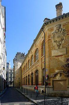 Rue des Orfèvres vue de la rue Saint-Germain-l'Auxerrois.