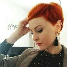 Short hair Ginger hair Source by redhairgq Short Copper Hair, Short Red Hair, Short Hair Cuts, Short Hair Styles, Pixie Cuts, Pixie Hairstyles, Pixie Haircut, Cool Hairstyles, Hair Color And Cut