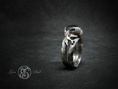 Handmade silver and black star ruby .  swallow ring #graskull #gra #skull #swallow #tattoo #ring #gothicjewelry #goth #gothic #birt #blackstarruby #star #ruby #handmade #oneofakind #unique #black #dark