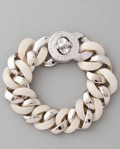 perfect bracelet. love the matte/shiny links. gorgeous