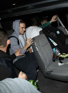 But the car seat for Lux... omg and when they were in the airport Paul almost punched one of the paparazzi