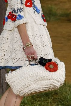 Chanel Spring 2010 Ready-to-Wear Collection - Vogue Crochet Bolero, Bag Crochet, Mode Crochet, Crochet Purses, Crochet Clothes, Crochet Top, Novelty Bags, Couture Embroidery, Mode Boho