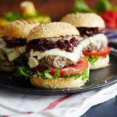 Burger Blue Sliders with red onion-strawberry relish