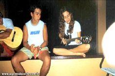 Sandy e Junior : Achei essa foto muito legal, a Sandy bem simples, bem a vontade tocando violão e o Jr todo lindo, destaque para as coxas do Ju, meu deus, mata Juuuuuuuuu!!! uahuahuaa Beijos pros que comentarem = ** Afiliados: http://www.fotolog.com/4eversandyejr http://www.fotolog.com/ny_luandradefco http://www.fotolog.com/rayssa_lobato http://www.fotolog.com/isis_loudtuani http://www.fotolog.com/garotaestilosa h...
