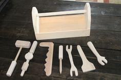 Hey, j'ai trouvé ce super article sur Etsy, chez https://www.etsy.com/fr/listing/186445452/outil-en-bois-set-outillage-jouet-outils