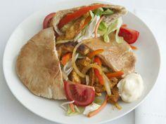 Kipgyros met salade - Grieks   Weekmenu