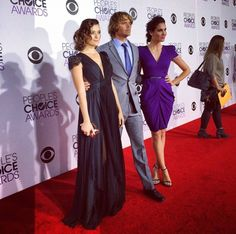 Daniela Ruah Page Liked · January 7 ·    At the People's Choice Awards with @ericcolsen and my fav lady #cotedepablo #AlexanderMcqueen #redcarpet