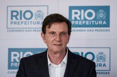 Crivella tira R$ 22 mi de conservação para publicidade e após enchente diz: Rio passou no teste