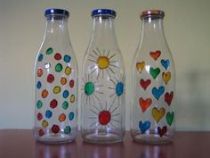 Glass Bottle Crafts, Wine Bottle Art, Painted Wine Bottles, Painted Jars, Diy Bottle, Glass Bottles, Painting Glass Jars, Glass Painting Designs, Bottle Painting