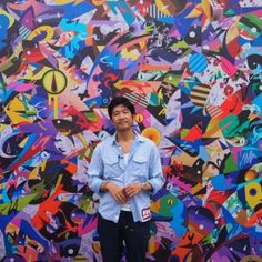 Tomokazu Matsuyama est né en 1976 au Japon et a déménagé à Los Angeles à l'âge de huit ans. Plus tard, il s'installe à New York.  Toutes ses expériences culturelles ont influencé son style actuel qui ré-interprète le folklore traditionnel japonais en faisant usage de l'imagerie pop art américain. Basé aujourd'hui à Brooklyn, ses peintures (acrylique sur toile ou papier) et ses sculptures dépeignent des scènes dynamiques de cow-boys de dessins animés et de pop samouraïs dans un univers…