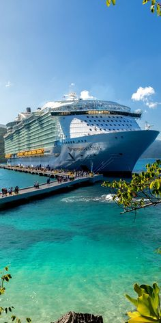 Cruises seem to have earned themselves a bad name these days due to the numerous fatally related disasters that have occurred involving them, as well [. Biggest Cruise Ship, Best Cruise Ships, Crucero Royal Caribbean, Cruise Ship Pictures, Bateau Yacht, Cruise Tips Royal Caribbean, Labadee Haiti, Symphony Of The Seas, Cruise Travel