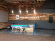 Counter and Pallet wood wall - fellowship hall ideas Youth Room Church, Youth Ministry Room, Youth Group Rooms, Kids Church Rooms, Church Lobby, Church Foyer, Ministry Ideas, Church Office, Church Interior Design