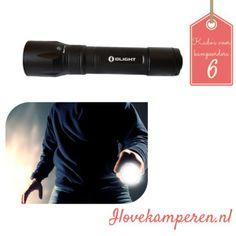 USB zaklamp 10 kado's voor mannen die graag kamperen! - 10 gifts for men who love to camp! #camping #caravan #gift #present #kado