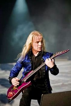 Symphonic Metal, Iron Maiden, My Crush, Rockers, Black Metal, Musical Instruments, Singers, Musicals, Crushes