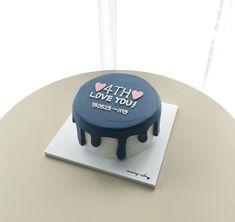cake in a mug Pretty Cakes, Cute Cakes, Yummy Cakes, Korea Cake, Blue Birthday Cakes, Kawaii Cooking, Mango Cake, Cake Packaging, Eat Happy