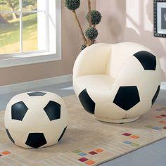サッカーボール型の椅子ですっ:Soccer furniture!   @Puppy Love