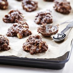 Oatmeal Raisinets No-Bake Drop Cookies  (Easy; 35 cookies)   #nobake #easy #recipe