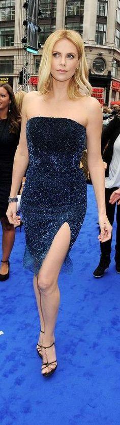 Charlize Theron ™ alwaraky Charlize Theron Style, Charlize Theron Oscars, Beautiful Celebrities, Beautiful Actresses, Most Beautiful Women, Atomic Blonde, Female Actresses, Gal Gadot, Actress Photos