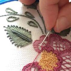 Embroidery On Kurtis Hand Embroidery Stitches Hand Embroidery Designs Embroidery Dress Embroidery Patterns Brazilian Embroidery Meraki Jelsa Blouse Designs Brazilian Embroidery Stitches, Embroidery Leaf, Hand Embroidery Videos, Hand Embroidery Flowers, Learn Embroidery, Hand Embroidery Stitches, Hand Embroidery Designs, Embroidery Techniques, Silk Ribbon Embroidery