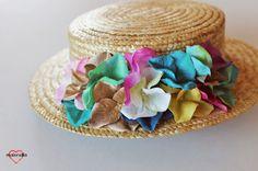Malonsilla Artesanía - Canotier copa baja para bodas de mañana de verano - Personalizado para Laura - Canotiers económicos - Invitada de boda - Desmontable - 44,50€