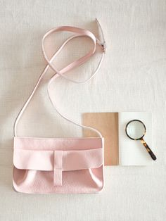 Webshop - Keecie Stylish and comfortable shoulderbag for every day. Soft Pink
