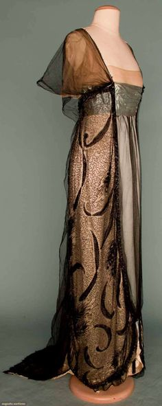 gown 1912 | Worth evening gown, Paris, c. 1912 (side)