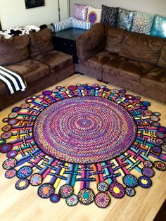 Rag rug i made from spare bed sheets cool crafts плетеный ко – Braided Rugs Diy Diy And Crafts Sewing, Crafts For Girls, Diy Arts And Crafts, Crafts To Sell, Fun Crafts, Diy Bed Sheets, Rope Rug, Braided Rugs, Craft Videos
