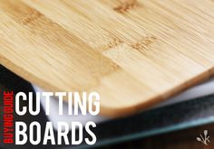 How do you choose a cutting board? Here are some top tips and ideas. Best Cutting Board, Cutting Boards, Bamboo Cutting Board, Frugal Meals, Quick Meals, Kitchen Gadgets, Kitchen Appliances, Kitchen Products, Gadgets And Gizmos