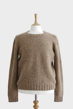 Top-down Seamless Men's Saddle Shoulder Sweater knitting  pattern // women's boyfriend sweater