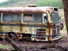 北海道では珍しい西工の廃車体です。オーナーの農家さんに室内や銘板など見せていただきました。