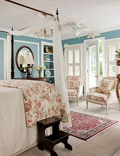 Get away for a romantic coastal retreat at the White Doe Inn Bed & Breakfast in Manteo. #visitnc