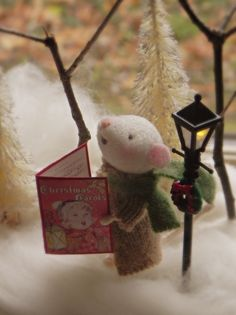 Amy Brand Sweet Pea Felts Needle Felted Mice How cute is this, I want to offer him a cup of cocoa!
