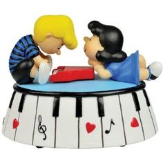 Schroeder and Lucy Van Pelt (Peanuts) Cake topper