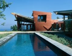 Frank Israel Architecture