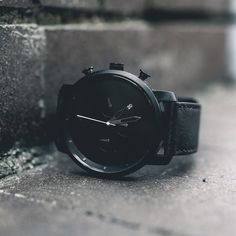 💥Style of the Day💥 Go monochrome with the Chrono Black Leather. (📷:@snappedbycam)
