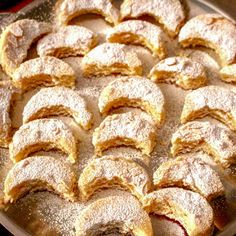 Kossuth Kifli or Half Moon Cookies is an old recipe, very popular in Hungary and also Romania and other Eastern European countries. Old Recipes, Gourmet Recipes, Cookie Recipes, Healthy Recipes, Healthy Food, Eastern European Recipes, European Cuisine, Ukrainian Recipes, Hungarian Recipes