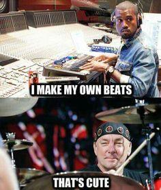 Hahaha!!! Kanye, you're such a joke!!!